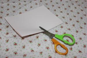 色画用紙 切る
