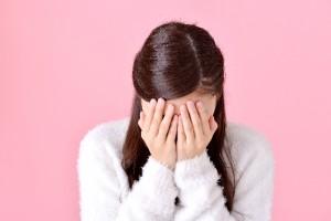 泣く 女性